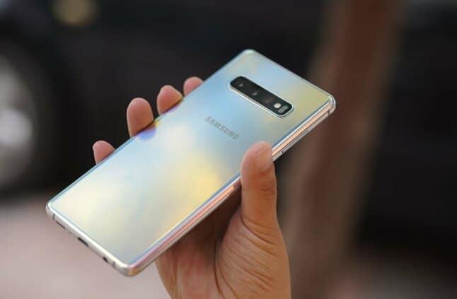 تحديث جديد يجلب بمميزات عالية ل Galaxy S10 Series :